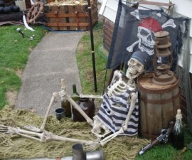 Halloween yard display, pirate