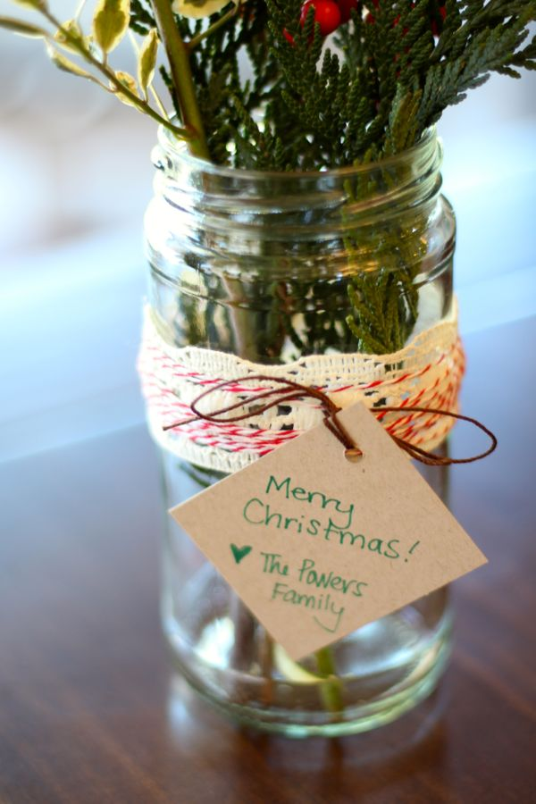 Easy Last-Minute DIY Hostess Gift: Holly & Ivy in a Jar!