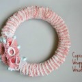 Cupcake-Wrapper-Wreath-with-text-e1353379257865